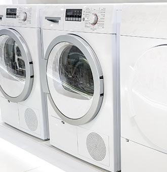 Eine Klassische Weisse Waschmaschine